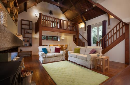 Last Minute Cottages - Blachford Hall