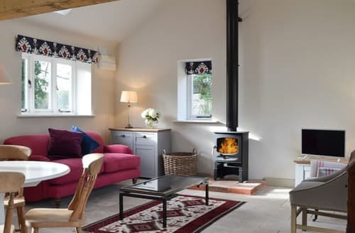 Last Minute Cottages - Charming West Meon Cottage S124987