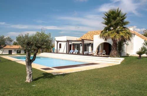 Last Minute Cottages - Villa Tareija