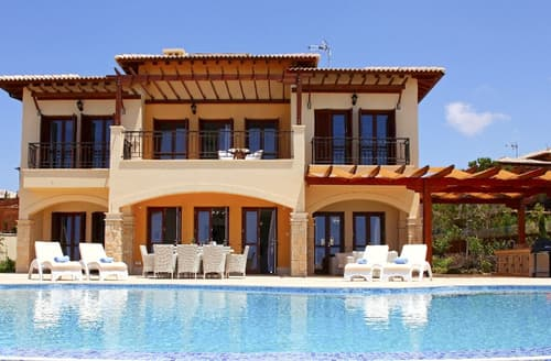 Last Minute Cottages - Villa Natalya