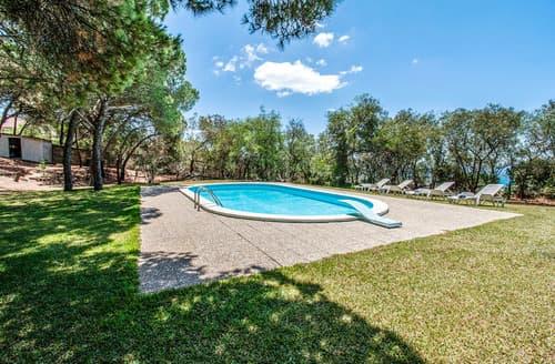 Last Minute Cottages - Villa Domitila