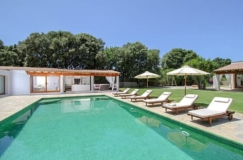 Last Minute Cottages - Villa Jordina