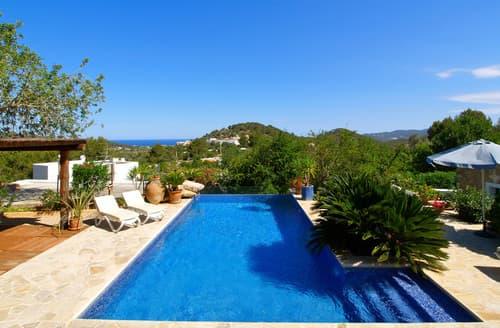 Last Minute Cottages - Villa Natura