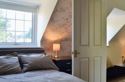 Last Minute Cottages - Inviting York Apartment S125270