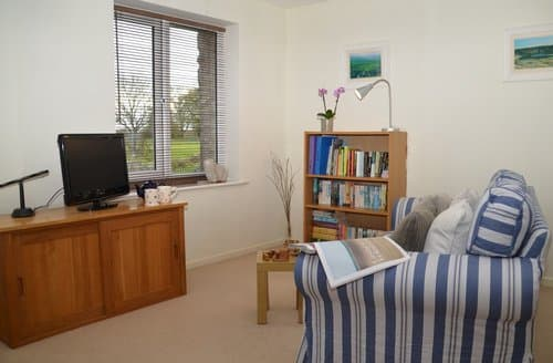 Last Minute Cottages - Cosy Wells Cottage S125444