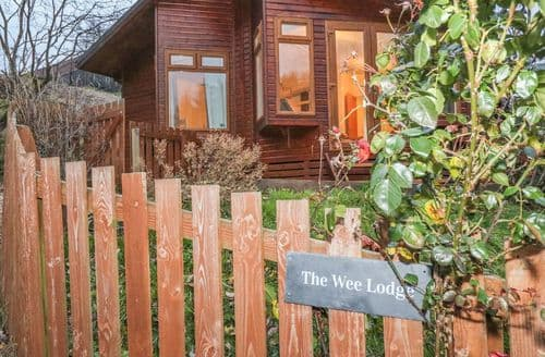 Last Minute Cottages - Gorgeous Dollar Cottage S125545