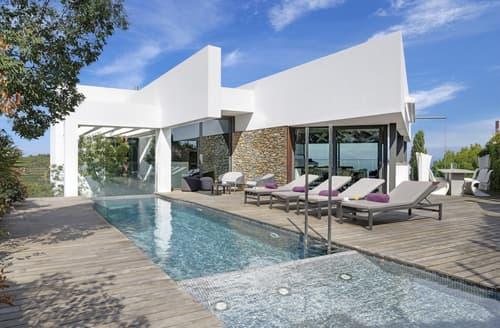 Last Minute Cottages - Villa Medes