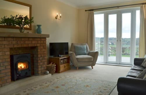 Big Cottages - Quaint Stafford Cottage S125653