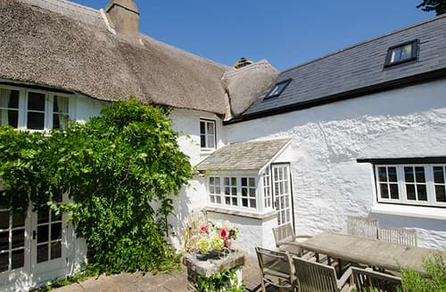 Last Minute Cottages - Burrows Farmhouse