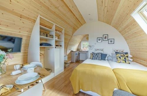 Last Minute Cottages - Lakeview Pod