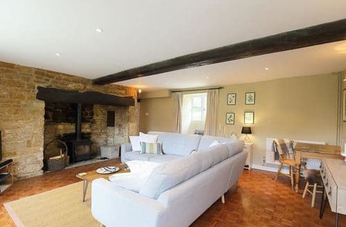 Last Minute Cottages - Captivating Barton On The Heath Cottage S125816