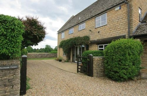Big Cottages - Captivating Bourton On The Water Cottage S125848