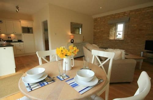 Last Minute Cottages - Captivating Burford Cottage S125853