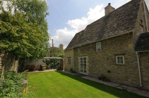 Last Minute Cottages - Beautiful Burford Cottage S125875