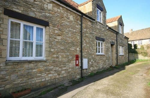 Last Minute Cottages - Quaint Biddestone Village Cottage S125879