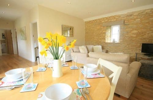 Last Minute Cottages - Lovely Burford Cottage S125883