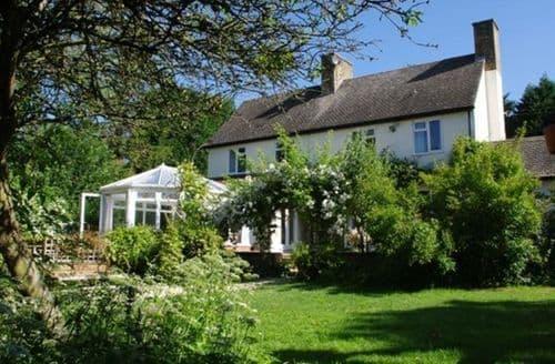 Big Cottages - Cosy Moreton In Marsh Cottage S125891