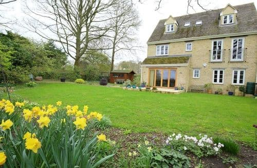Last Minute Cottages - Tasteful Burford Cottage S125901