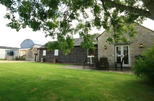 Last Minute Cottages - Wonderful Ashton Keynes Cottage S125905
