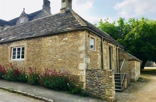 Last Minute Cottages - Delightful Carterton, Oxfordshire Cottage S125935