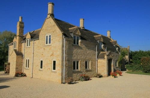 Last Minute Cottages - Exquisite Barton On The Heath Cottage S125936