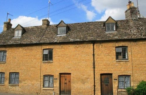 Last Minute Cottages - Stunning Bourton On The Water Cottage S125948