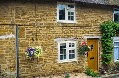 Last Minute Cottages - Beautiful Hook Norton Cottage S125986