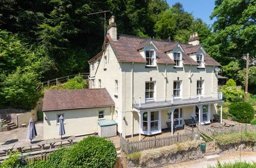Last Minute Cottages - Hollytree House S98987