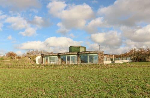 Last Minute Cottages - Charming Cubert Cottage S126015
