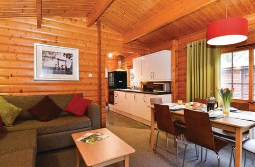 Last Minute Cottages - Charming Forest Of Dean Lodge S126055