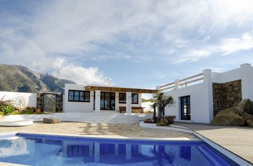 Last Minute Cottages - Villa Chepita