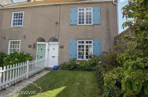 Last Minute Cottages - Gorgeous West Bay Cottage S126503