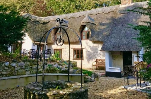 Last Minute Cottages - Lovely Chard Cottage S127038
