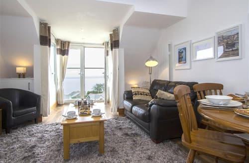 Last Minute Cottages - Cosy  Apartment S127087