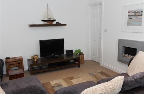 Last Minute Cottages - Excellent  Apartment S127132