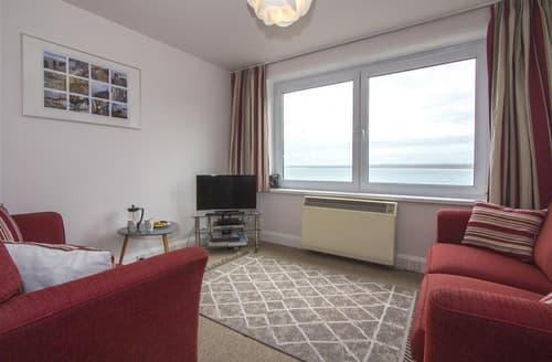 Last Minute Cottages - Beautiful  Apartment S127135