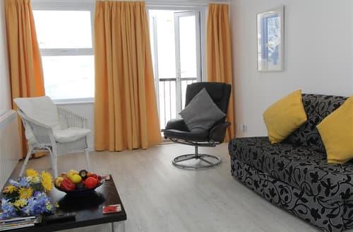 Last Minute Cottages - Captivating  Apartment S127136