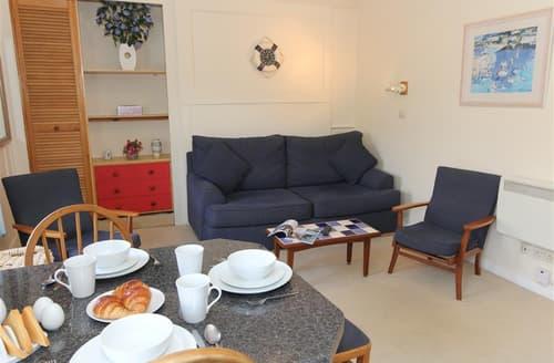 Last Minute Cottages - Captivating  Apartment S127138