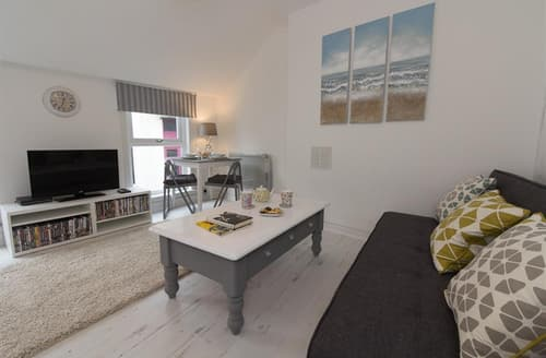 Dog Friendly Cottages - Cosy  Apartment S127161