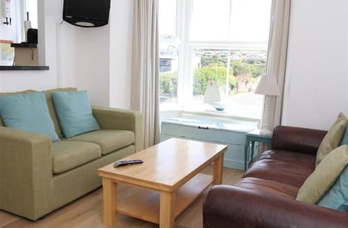 Dog Friendly Cottages - Gorgeous  Apartment S127229