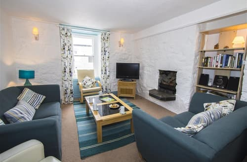 Last Minute Cottages - 10 Porthmeor Square House, Porthmeor Sq