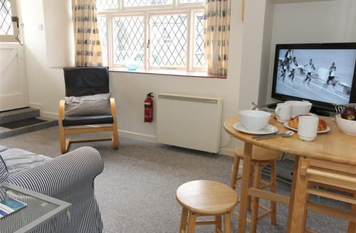Dog Friendly Cottages - 2 Mariners Apartments
