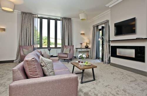 Last Minute Cottages - Mansion Suite 3