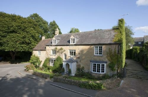 Big Cottages - Quaint Chipping Camden Cottage S127354