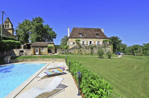 Last Minute Cottages - Cosy Nadaillac De Rouge Cottage S127366