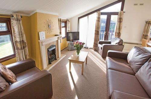Big Cottages - Captivating South Cerney Lodge S127542