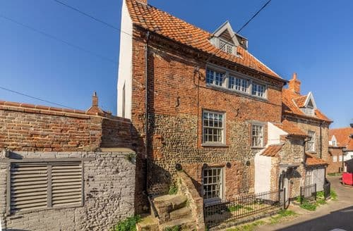 Last Minute Cottages - Quaint Wells Next The Sea Cottage S127655