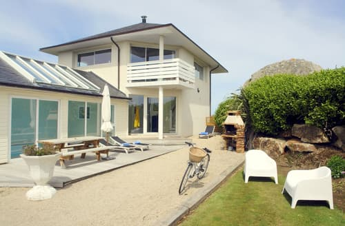 Last Minute Cottages - Le Grand Rocher