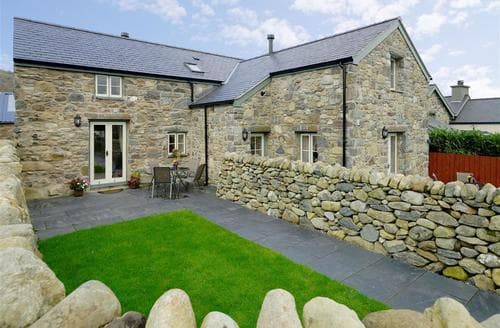 Last Minute Cottages - Adorable Rowen Cottage S87950