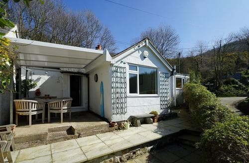 Last Minute Cottages - Charming Cwm Dyserth Cottage S78902